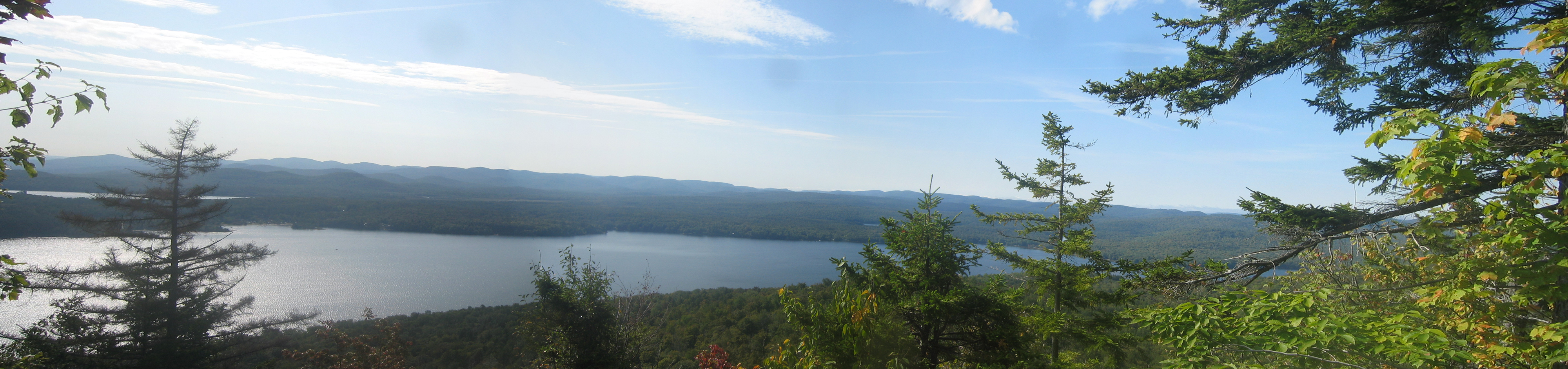 Panoramic view of Piesco Lake atop a Panther Mountain